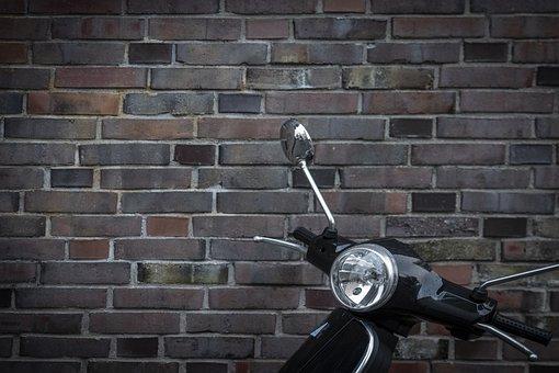 aparcar-moto-y-coche-en-plaza-de-garaje