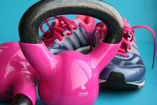 ejercicios-con-mancuernas-mujeres
