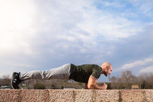 ejercicios-para-la-espalda-con-pesas