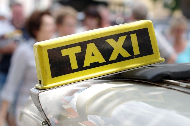 parada-taxi-pt-4-hospital-civil-malaga